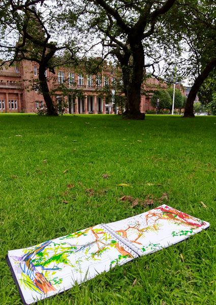 Relaxed mindful drawing – natural inspiration around Kelvingrove Museum